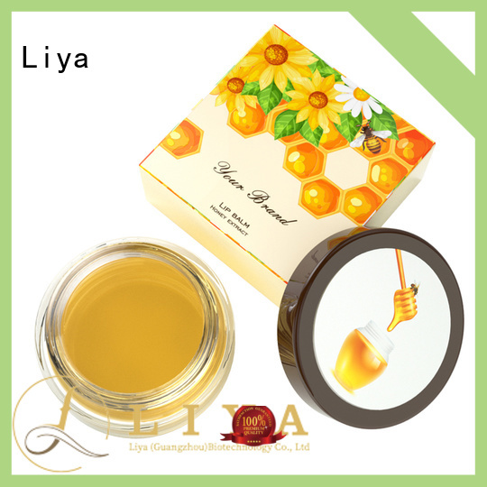 Liya lip makeup products satisfying for make up