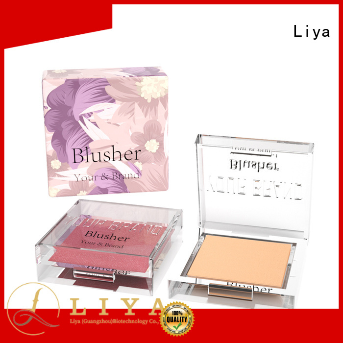 Liya easy to use Shadow highlights great for make up