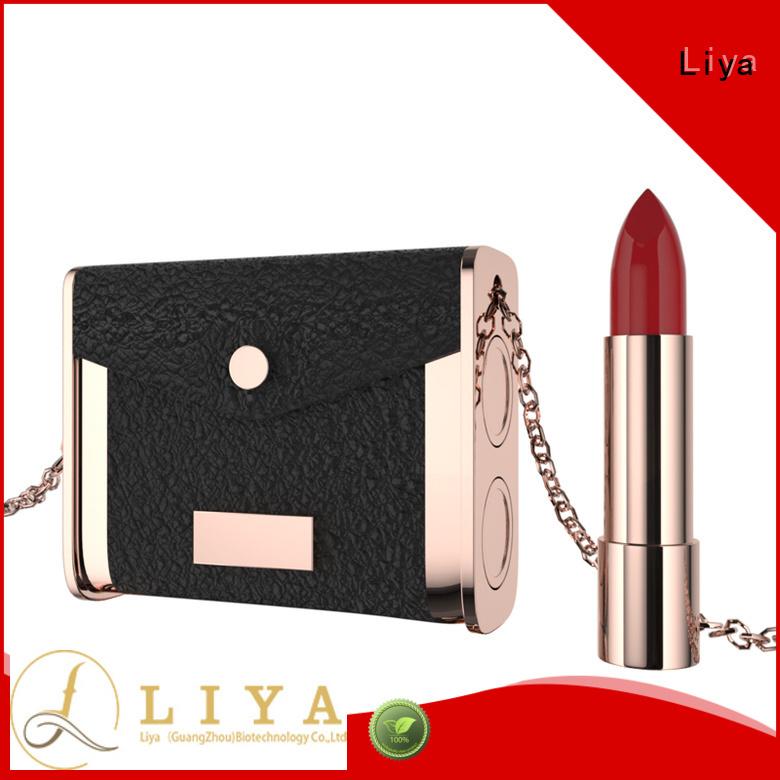 Liya beautiful lip cosmetics suitable for dress up
