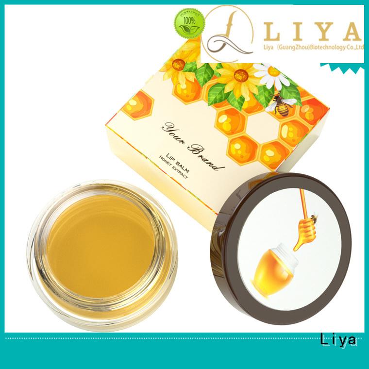 Liya lip cosmetics optimal for dress up